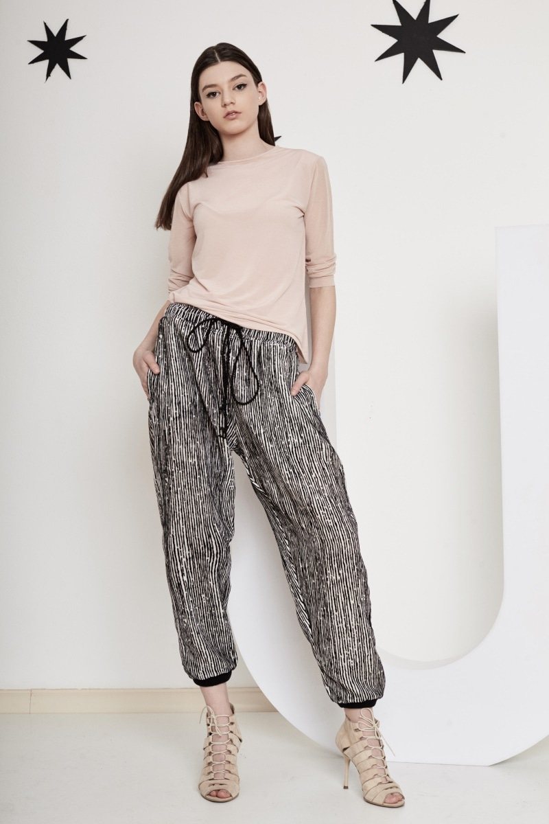 Oversize jogger pants