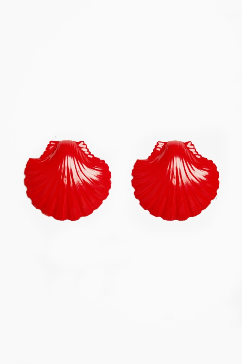 Red clam shell earrings