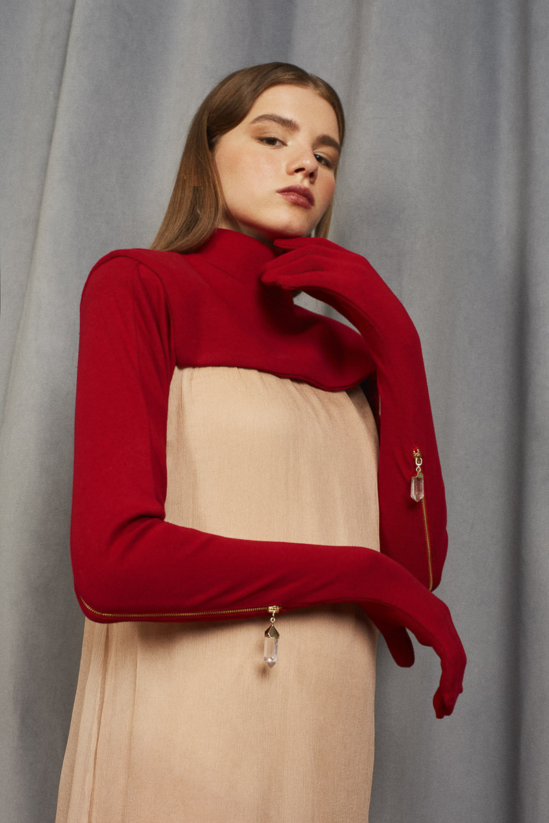 ASTRONOMER cropped turtle neck with gloves